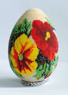 Soon  it ill be Easter, so there is collection of beautiful beaded easter eggs from russian beads artists.