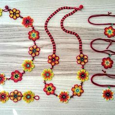 And updated full of flowers - Jewelry Flowers Beaded Earrings, Beaded Jewelry, Handmade Jewelry, Beaded Bracelets, Daisy Bracelet, Peyote Beading, Girls Jewelry, Beading Projects, Beaded Flowers