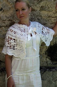Chanson En Free Crochet Pattern..inspiration.. I would like to make this for Leilas first Holy Communion next yr.