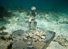 Sea Creature Sculpture | Underwater Sculptures Give Sea Creatures a Haunting New Habitat