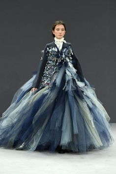 """"""" Viktor & Rolf Fall 2016 Couture Collection """""""