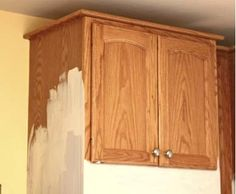 painting cabinets with chalk paint. you don't have to sand. Annie Sloan Chalk Paint in Old White Chalk Paint Kitchen, Painting Cabinets, Redo Furniture, Painted Furniture, Home Remodeling, Home Diy, Furniture Makeover, Diy Kitchen, Kitchen Paint