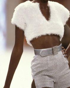 look Todd Oldham Look Fashion, 90s Fashion, Runway Fashion, High Fashion, Fashion Show, Vintage Fashion, Fashion Outfits, Womens Fashion, Fashion Design