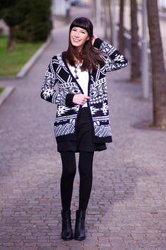 La blogger Monelle Chiti con un golfino kiabi! Look casual/chic