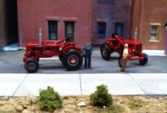 Ed & Earl must have been shopping at tractor supply... They both showed up with the same tractors!!!