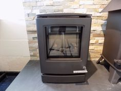 Colnestoves.Yeoman CL3. This can be Gas, Electric or solid fuel. Available to see in Suffolk's newest main dealer showroom. Fitting services also available by our own reams of in-house GasSafe/Hetas fitters. Main dealer warranty 5 years-sold elsewhere-1 year warranty. Call 01284 388188 http://www.stovax.com/information/find-a-retailer/