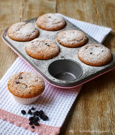i dolci di laura: Muffin con farina di farro e mirtilli neri (senza burro) Bakery Cakes, Eat Breakfast, Biscotti, Nutella, Sweet Tooth, Muffins, Food And Drink, Low Carb, Lunch