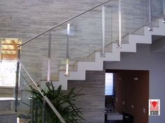 Oficina de Metais Goiânia - Guarda corpo inox com Vidro