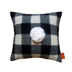 #pillow #cushion #pompom Love the Pompom on this cushion!