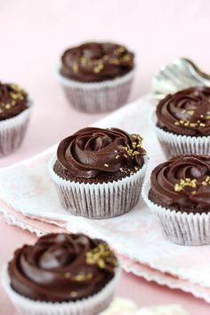 Schoko-Rosen-Cupcakes-6