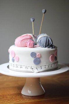 17 Best ideas about Knitting Cake Grandma Birthday Cakes, Grandma Cake, 60th Birthday Cakes, Happy Birthday, Sewing Machine Cake, Sewing Cake, Pretty Cakes, Beautiful Cakes, Amazing Cakes