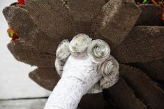 Прекрасные цветы из листьев кукурузных початков:) Идеи, мастер-классы. Обсуждение на LiveInternet - Российский Сервис Онлайн-Дневников