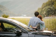 This post have to be ignited! Who better bring the spark back? No other than, Jung Hae In. For most of you who have been stalking this man since Something In The Rain, or way back in Blood, the inf… Watch Korean Drama, Watch Drama, Korean Drama Movies, Han Ji Min, Jung In, Handsome Korean Actors, Night Pictures, Seesaw, Thought Process