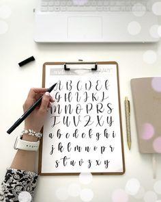 Oszlánszki Marcsi (@oszlanszkiart) • Instagram-fényképek és -videók Calligraphy Tutorial, How To Write Calligraphy, Templates, Writing, Instagram, Stencils, Vorlage, Being A Writer, Models