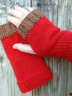 Make these easy unisex mitts with Lion Brand Wool-Ease! Great for using up leftovers, or make them with just one ball in a solid color! Free knit pattern by Sandy Rivers on Ravelry.