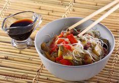 Spaghetti cinesi di riso a modo mio