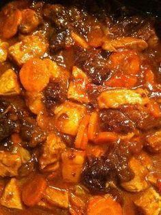 Tajine de porc aux pruneaux et au miel Meat Recipes, Pasta Recipes, Crockpot Recipes, Cooking Recipes, Sausage Recipes, Healthy Family Dinners, Sausage Pasta, Batch Cooking, Recipes From Heaven