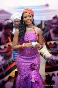 If you've ever witnessed a typical Igbo traditional marriage (Igbankwu) thumbs up to you! If not, please watch Flavors- Ada Ada video just to have an idea of the rich cultural traditions displayed at Igbo Nigerian Traditional Wedding, Traditional Wedding Attire, African Traditional Dresses, Traditional Weddings, Nigerian Bride, Nigerian Weddings, African Weddings, African Dresses For Women, African Attire