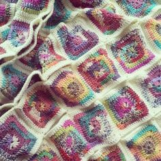 Joining crochet granny squares by The Patchwork Heart.