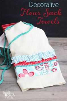 Tutorial to make cute decorative flour sack towels. Great idea for guest bathroom or seasonal decor! #Sewing #Towels #RealCoake