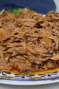 Shredded Beef Recipes, Mexican Shredded Beef, Meat Recipes, Slow Cooker Recipes, Mexican Food Recipes, Crockpot Recipes, Cooking Recipes, Shredded Beef Tacos Crockpot, Quick Recipes