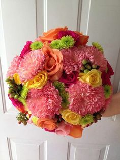 CBR178 Riviera Maya weddings / Bodas Spring bouquet  colorful yellow, pink coral, hot pink, green ,orange / ramo primaveral  amarillo, fucsia, coral, rosa, verde,naranja