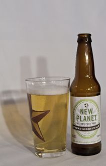 Do you like beer but are allergic to gluten? Check out our top 10 Gluten Free Beers that actually taste great! #beer #booze #glutenfree