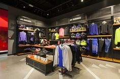 boutique nike marché central