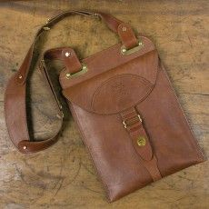 Leather Shoulder Holster for iPad® Leather Briefcase, Leather Tooling, Diy Leather Vest, Leather Craft, Men's Briefcase, Men's Leather, Leather Jackets, Leather Workshop, Leather Bags Handmade