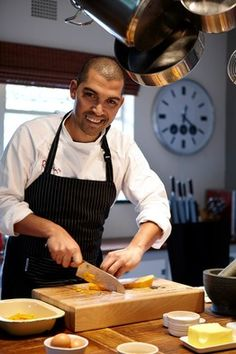 Cape Town Chef Reuben Riffel who has 3 restaurants, one being at the One & Only Hotel at the V&A Waterfront. Christmas In South Africa, Jenny Morris, South African Celebrities, Chef Cookbook, V&a Waterfront, Wine Guide, Restaurant Guide, How To Speak French, Great Restaurants