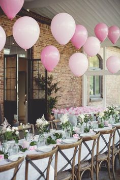 New bridal shower balloons centerpieces wedding ideas ideas Bridal Shower Balloons, Bridal Shower Tables, Wedding Balloons, Bridal Shower Decorations, Wedding Decorations, Birthday Table Decorations, Garden Party Decorations, Party Garden, Pink Balloons