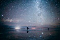 ボリビア : 宇宙を歩く 夜のウユニ塩湖