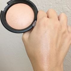 Essence pure nude highlight.. $3 ! Perfect lit from within highlight