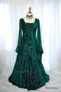 Google Image Result for http://www.roxx-online.com/roxxOnline/images/productPhotos/Dark%2520green%2520gothic%2520medieval%2520dress%2520Vampire%2520bride.%25202953.JPG