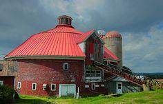 Granges rondes en Estrie - Cantons-de-l'est - Eastern Township by Sergiom