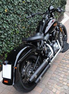 Harley Davidson Crossbones Springer - love the bars! Custom Sportster, Custom Bobber, Custom Harleys, Custom Bikes, Harley Davidson Trike, Black Harley Davidson, Harley Davidson News, Softail Bobber, Harley Softail