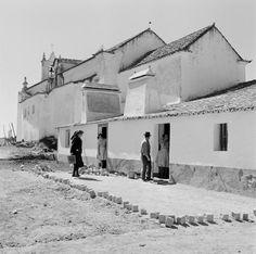 Algarve, Old Photos, Vintage Photos, Madrid, Rural House, Paris Apartments, Lisbon, City Photo, Louvre