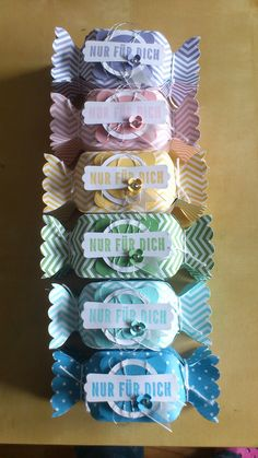 Bonbon Wrapper blogger used the envelope punch board. tutorials on WWW