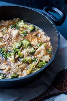 Broccoli-pannetje met kip en champignons