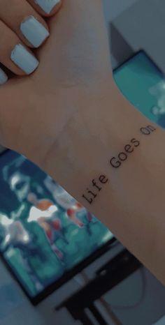 Kpop Tattoos, Army Tattoos, Mini Tattoos, Body Art Tattoos, Small Tattoos, Tatoos, Simplistic Tattoos, Aesthetic Tattoo, Nail Tattoo