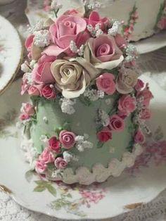 beautiful.quenalbertini: Shabby cake