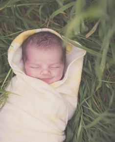 Outdoor Newborn Photography. With two babies as well?