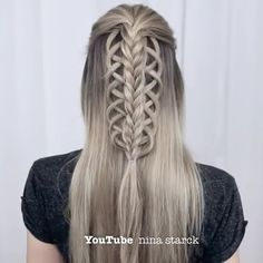 Lovely hairstyle idea for you to try by @n.starck Sporty Hairstyles, Open Hairstyles, Hair Up Styles, Silky Hair, Beautiful Long Hair, Fishtail, Braids, Hair Color, Dreadlocks