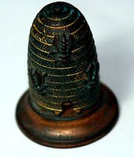 Very RaRe ANTIQUE FIGURAL BRASS~~ BeeHiVe TAPE MEASURE~~ EXTREMELY DESIRED