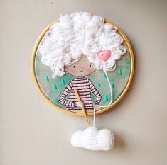 Traumkinderzimmer einrichten Ela pensa com o coração e faz chover sonhos 😊💗🌨 Embroidery Hoop Crafts, Hand Embroidery Patterns, Ribbon Embroidery, Cross Stitch Embroidery, Contemporary Embroidery, Modern Embroidery, Needlework, Creations, Sewing