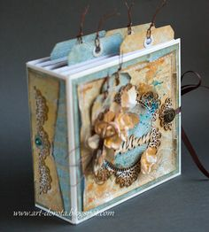 Dorota_mk Paper Bag Album, Mini Albums Scrap, Craft Desk, Scrapbook Albums, Scrapbooking, Handmade Books, Mini Books, Paper Design, Altered Art