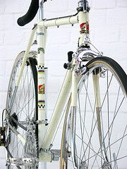 I hod one of theese once - Peugeot 1966 Classic Road Bike, Classic Bikes, Velo Vintage, Vintage Bicycles, Bici Retro, Peugeot Bike, 308 Gti, Retro Bicycle, Mountain Bike Shoes
