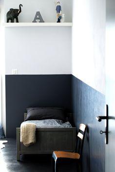 HALF-PAINT WALLS Love this for Geordie's room. white walls, chalkboard paint, dark walls, kid rooms, black white, boy rooms, little boys rooms, bedroom, painted walls