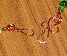 clover hook & eye.Use alone or with other clover links.   #wire #jewelry #tutorial
