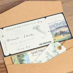 Gebühr für Italien Boarding Pass Hochzeitseinladung Design. Destination Wedding.